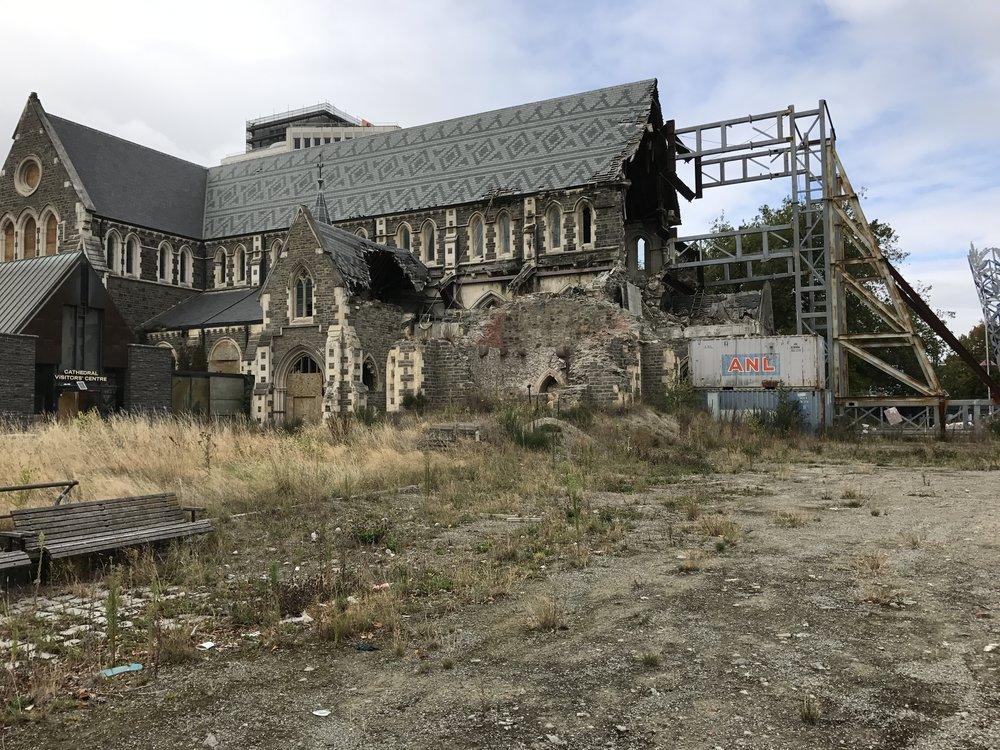 Paikallisia paljon puhuttava katedraali, jonka ympärille kaupunki aikoinaan rakentui. Tuhoutui pahasti 2011 maanjäristyksessä, eikä sitä ole edelleenkään saatu korjattua.