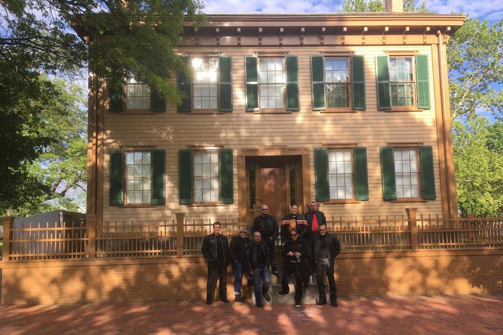 Lincoln muutti Springfieldiin 1837 ja hänen ainoa koskaan omistamansa kotitalo on nyttemmin museo.