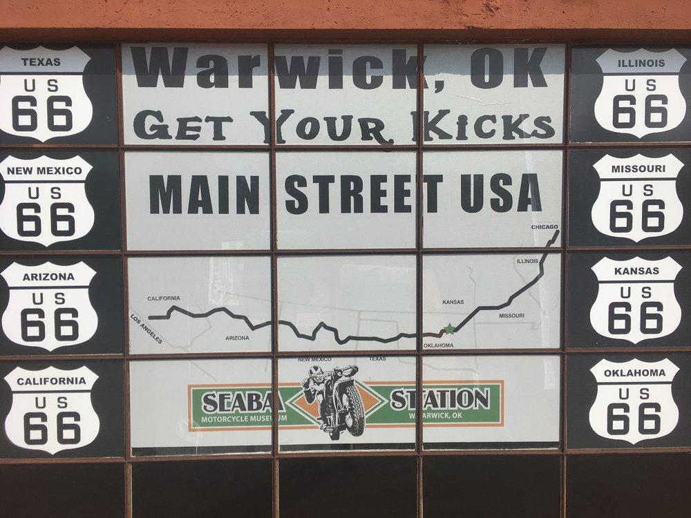 """Vähän ennen Oklahoma Cityä, Warwickin pikkukylässä on mielenkiintoinen moottoripyörämuseo """"Seaba Station"""". Tuleville ryhmille tiedoksi - kiinni keskiviikkoisin!"""
