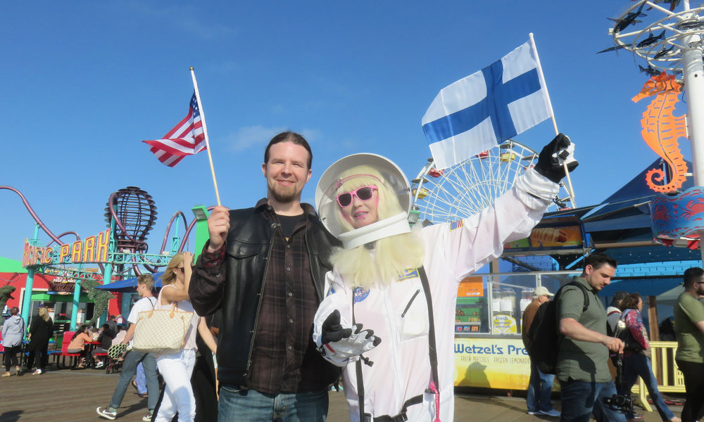 Samppa & Santa Monica Astronaut!