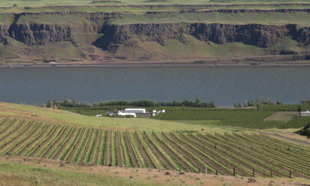 Oregon Yakima riverin toisella puolella ja Washington tällä puolella!