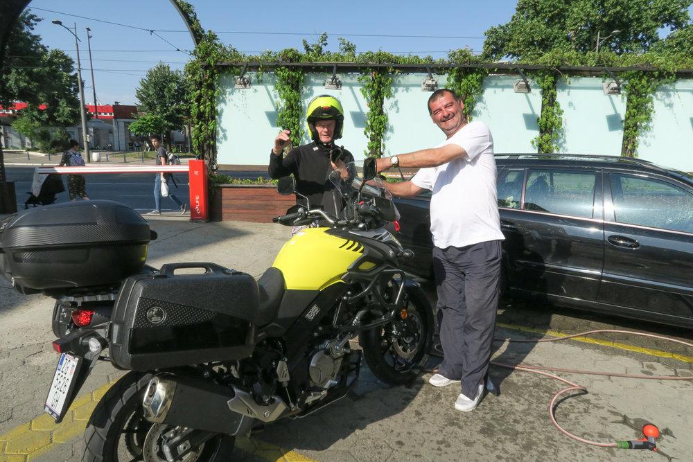 Siistinä miehenä Ilkka ajaa vain puhtaalla pyörällä.