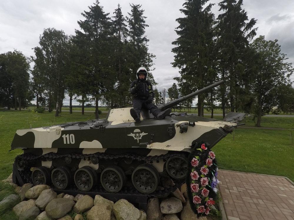 Kari tykkää panssarivaunuista :)