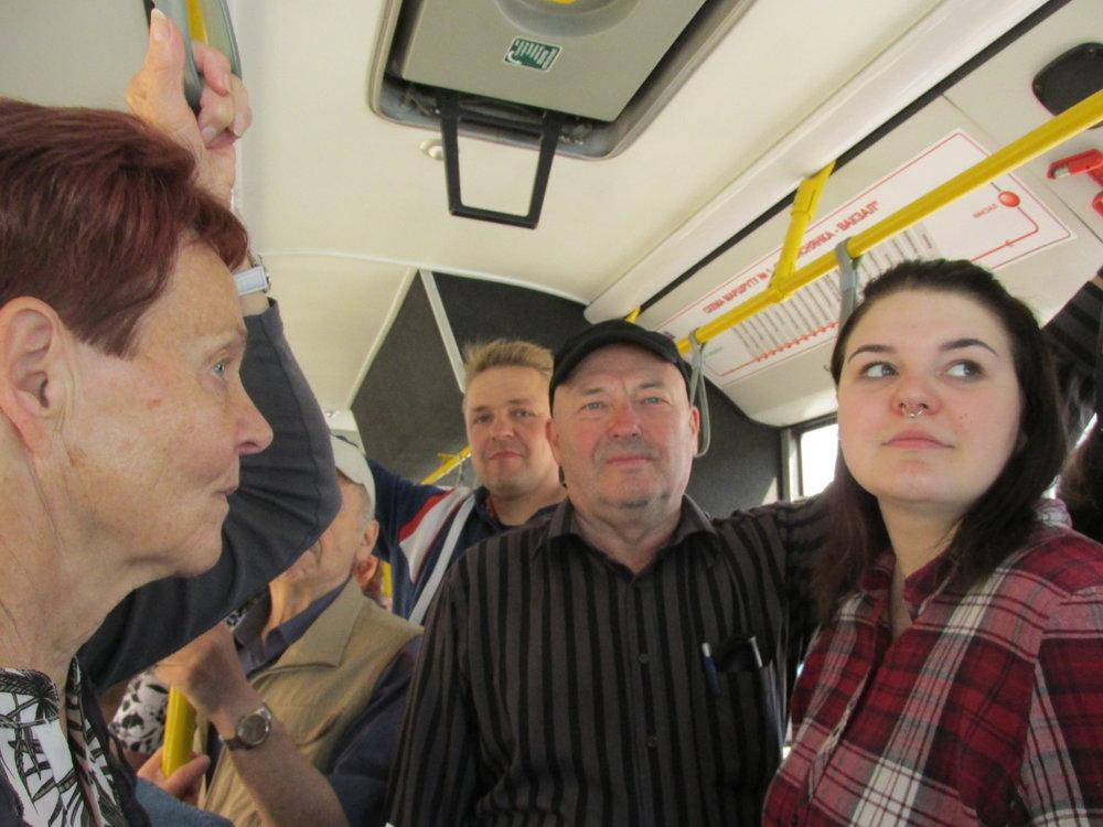 """""""Mennään bussilla""""! Minskin paikallisliikenne toimii bussi-, ratikka- ja metroverkoston avulla. Tällä kertaa tutustuimme ensimmäiseen."""