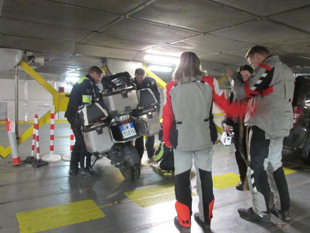 Kansainvälistä motoristiyhteistyötä Tallinnan lautalla