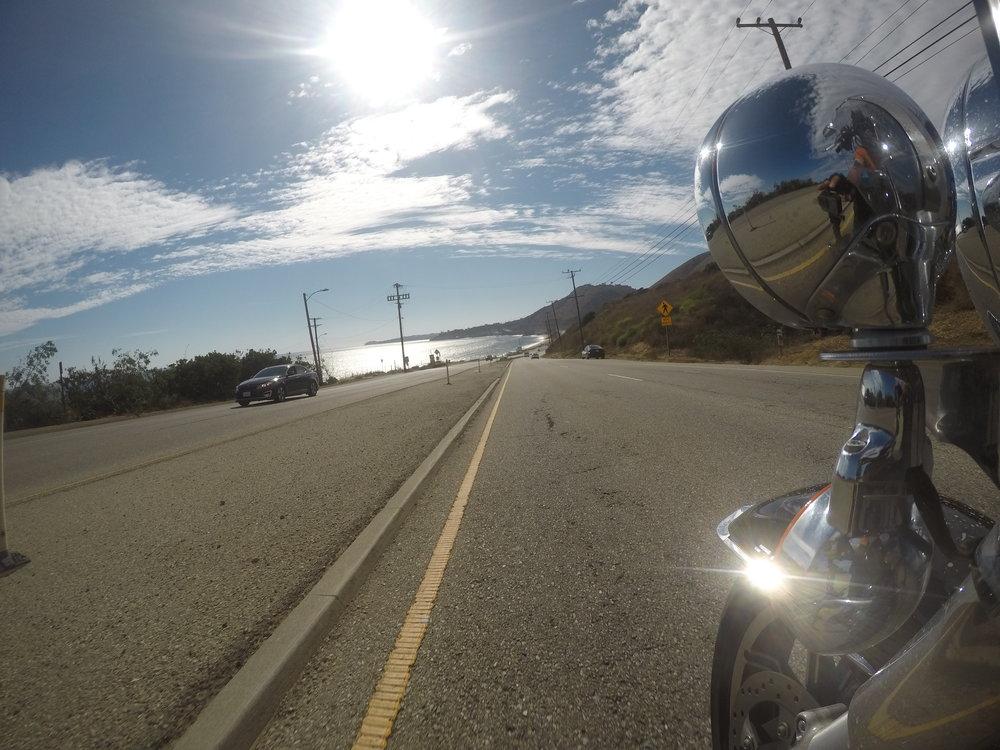 Päivän päättärimme on merellinen Santa Barbara. Loppumatkasta pääsemme nautiskelemaan auringonpaisteessa kimmeltävästä Tyynestämerestä ja Highway 1'stä - erinomainen päivä jälleen takana!