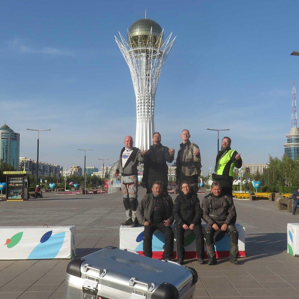 Bayterek... Astana maamerkki ja Suomi-motoristejä!