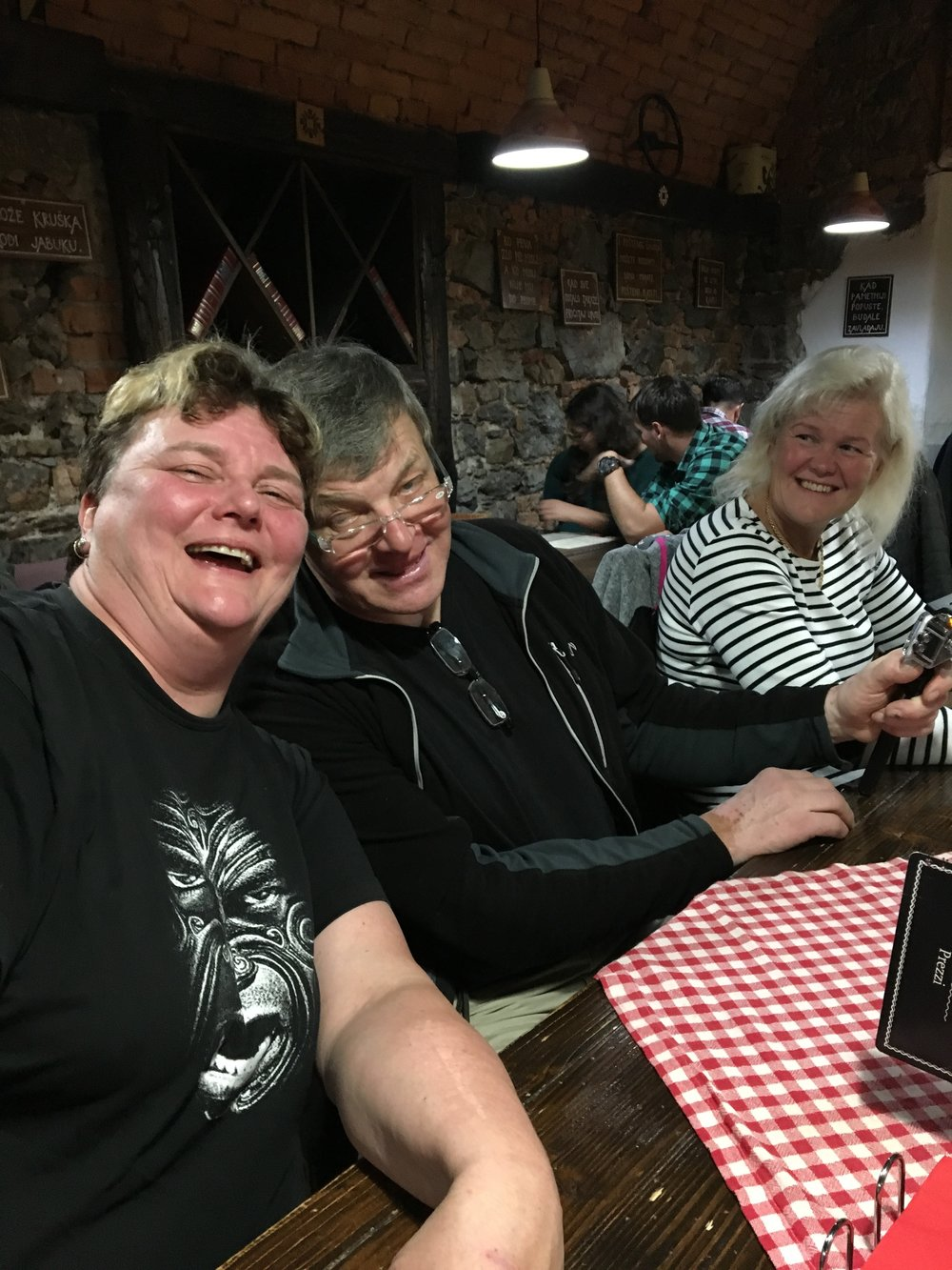 Anneli, Kari ja Tuija