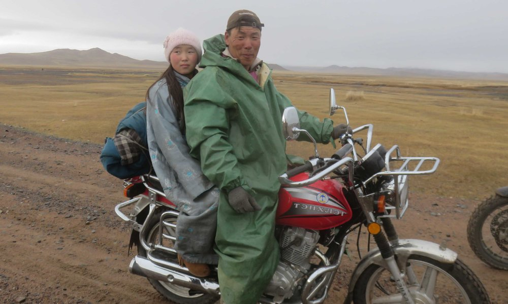 Mongolialaista sadepäivän ajoasua!