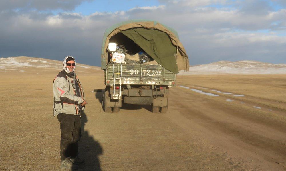 Beduiini ja teltta vai motoristi ja kuorma-auto? Jälkimmäinen vaihtoehto on se oikea!