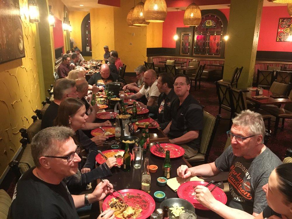 Meksikolainen illallinen Kopterin poikien kanssa.