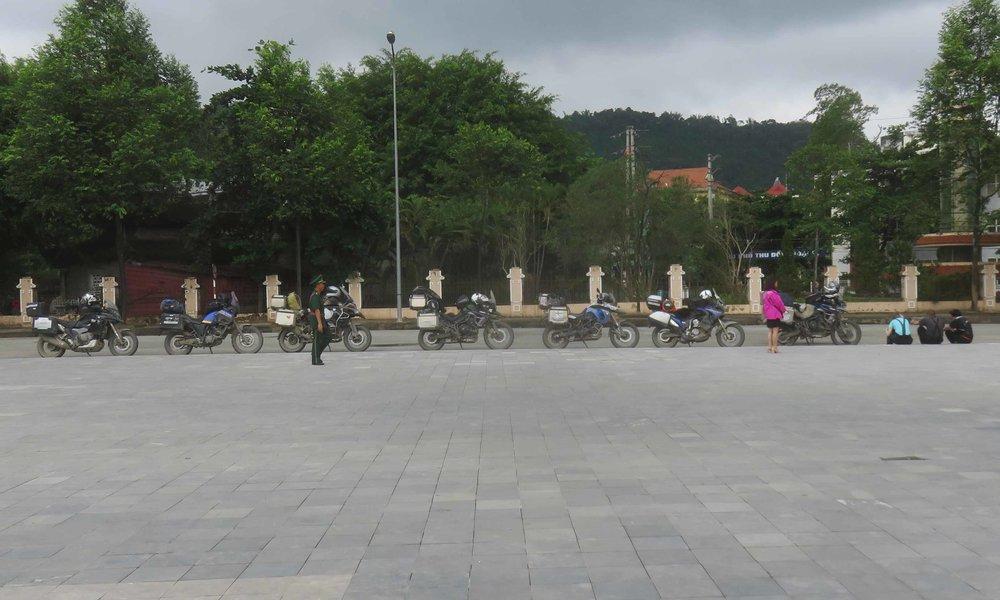 Pyörät odottavat, että Vietnamin portit aukeavat!