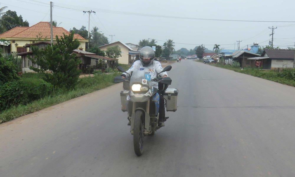 Tie tyhjeni kun tulimme Laosin puolelle!