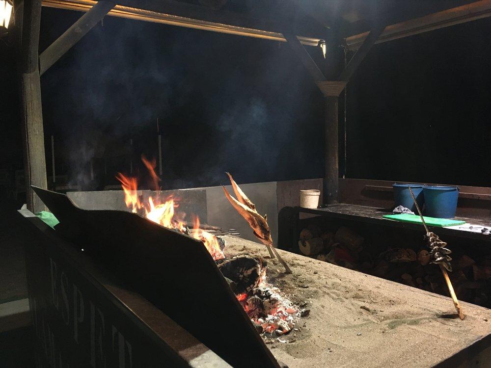 Tuoretta kalaa grillataan meitä varten ;)
