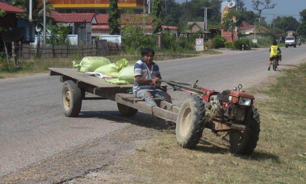 Laosin maaseudun...