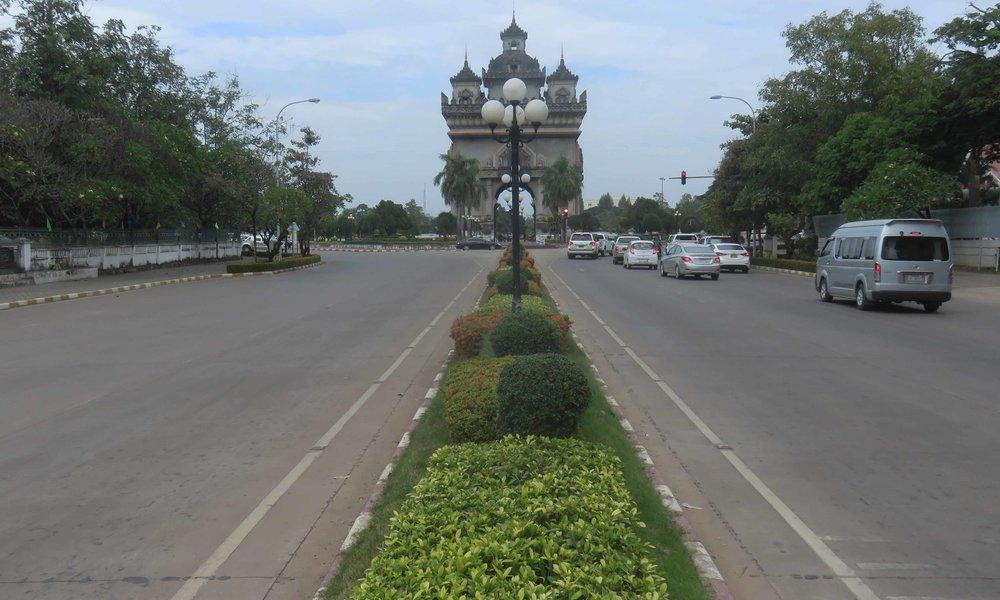 Vientianen...