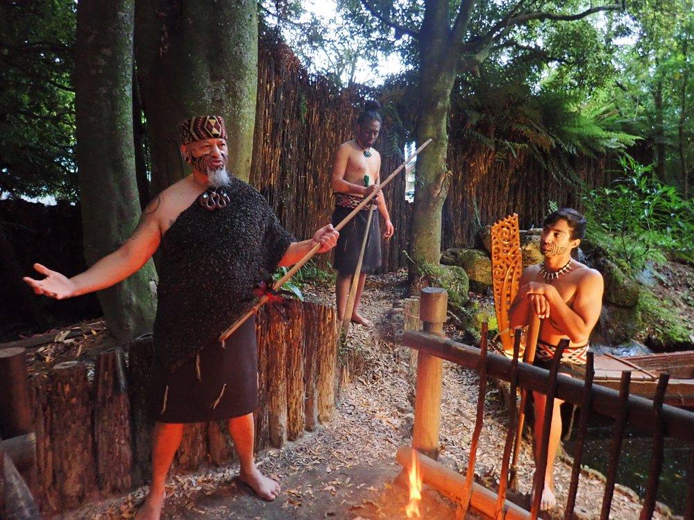 Maorien poppamies kertoo merinavigoinnin saloja!