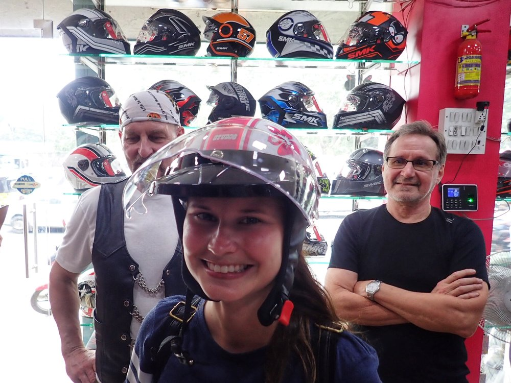 Laurallekin löytyi mainio kypärä :)