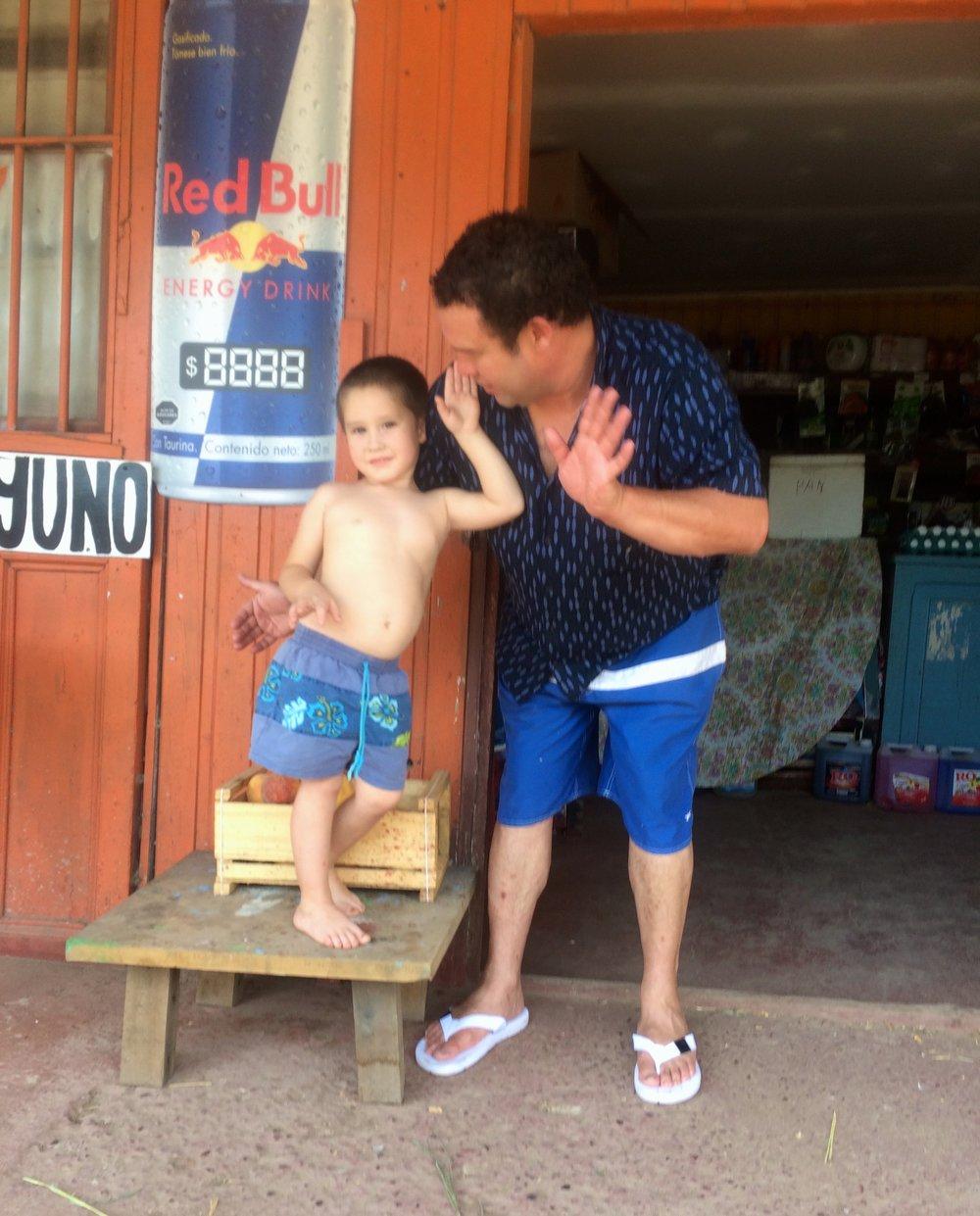 San Fernandon nykyinen ja tuleva Coca Cola kauppias :)