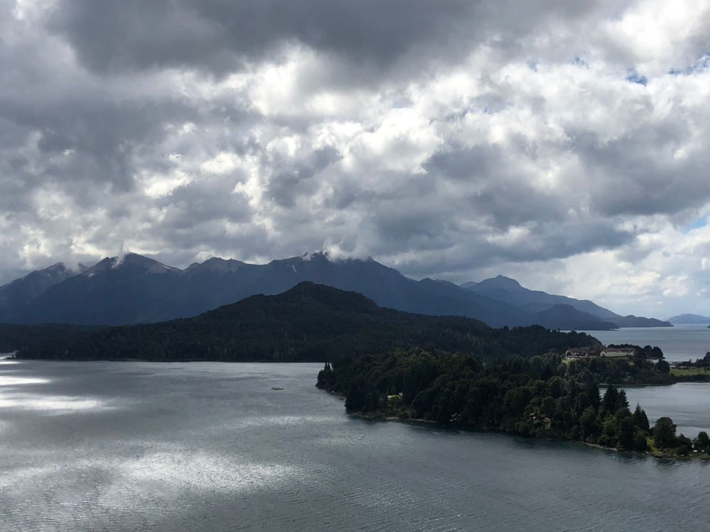 Barilochen järvimaisemia.