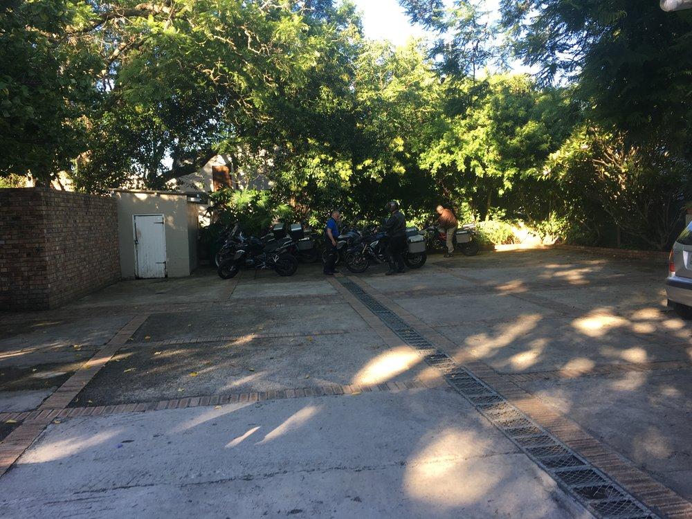 Pyörillekkin löytyi parkki vastapäisen majapaikan parkkipaikalta.