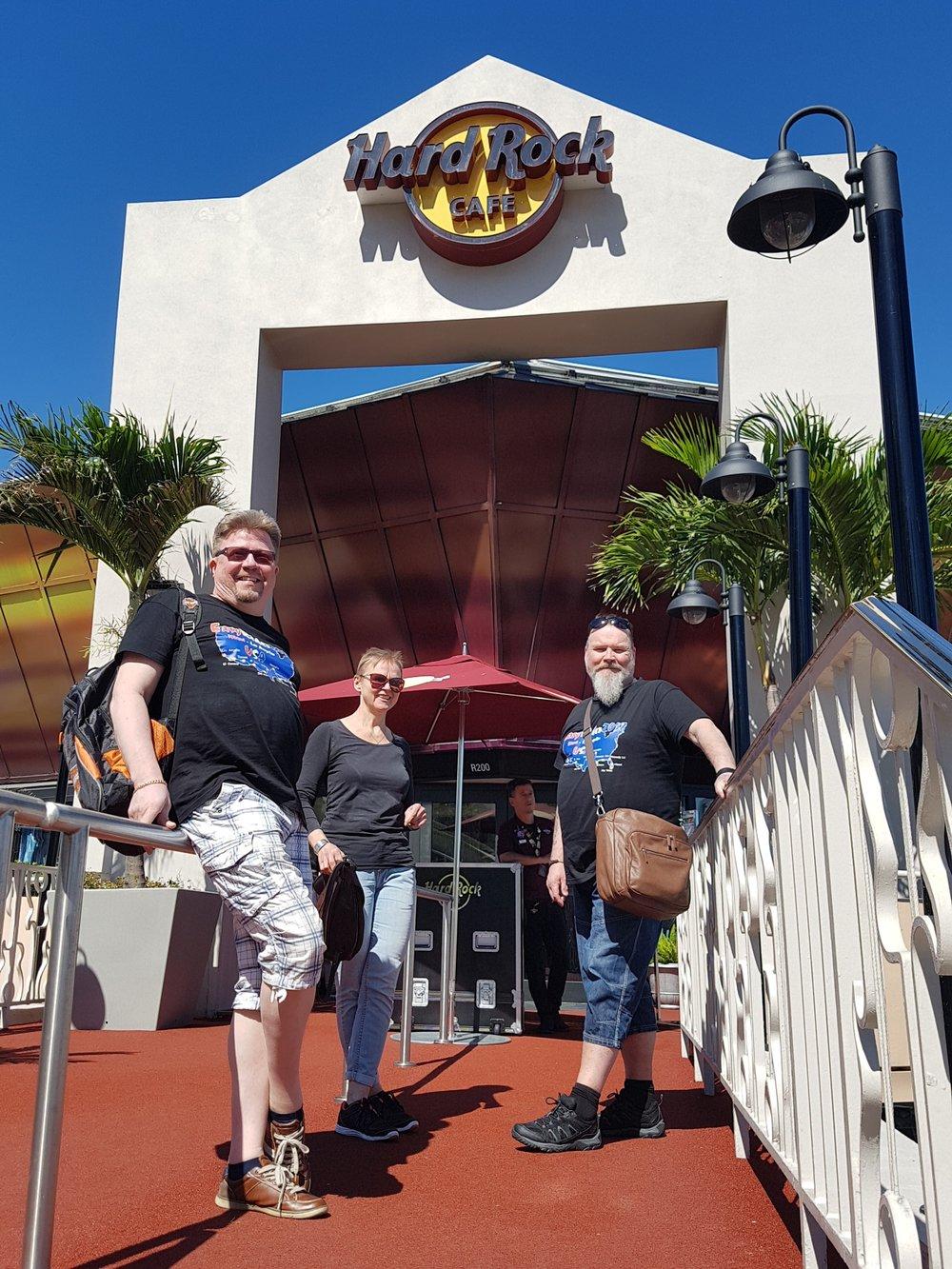 Kaitsu, Vuokko, Jarmo & Hard Rock Cafe Miami
