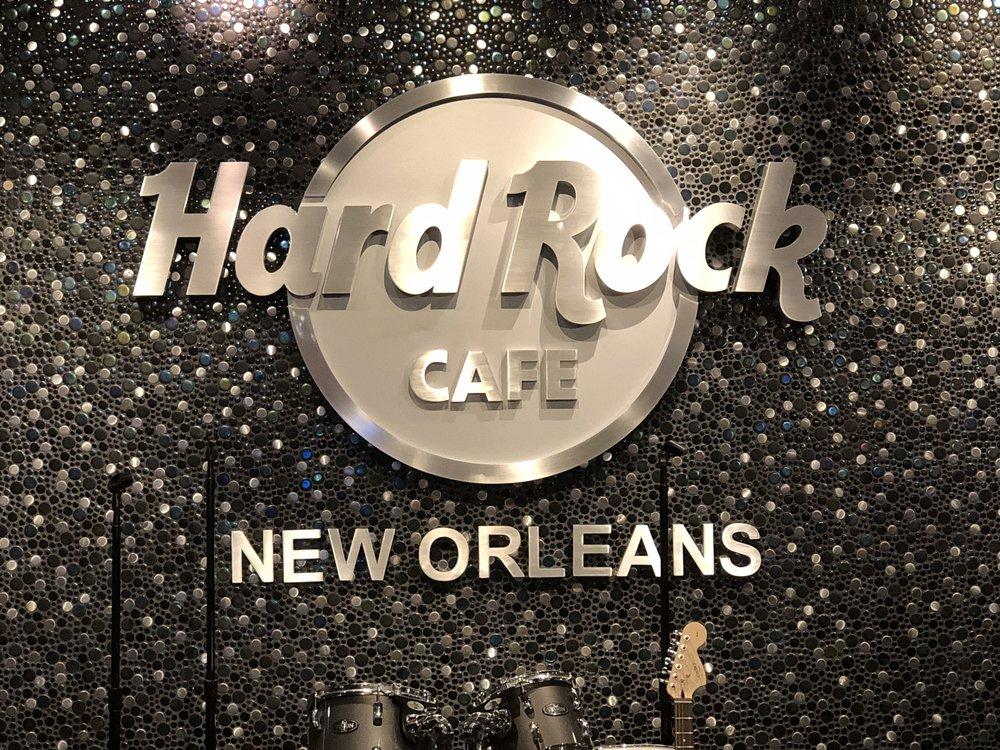 Tänään vuorossa ruokapaikkana New Orleansin Hard Rock Cafe, ja sieltä taas luonnollisesti muutamat paidat mukaan!