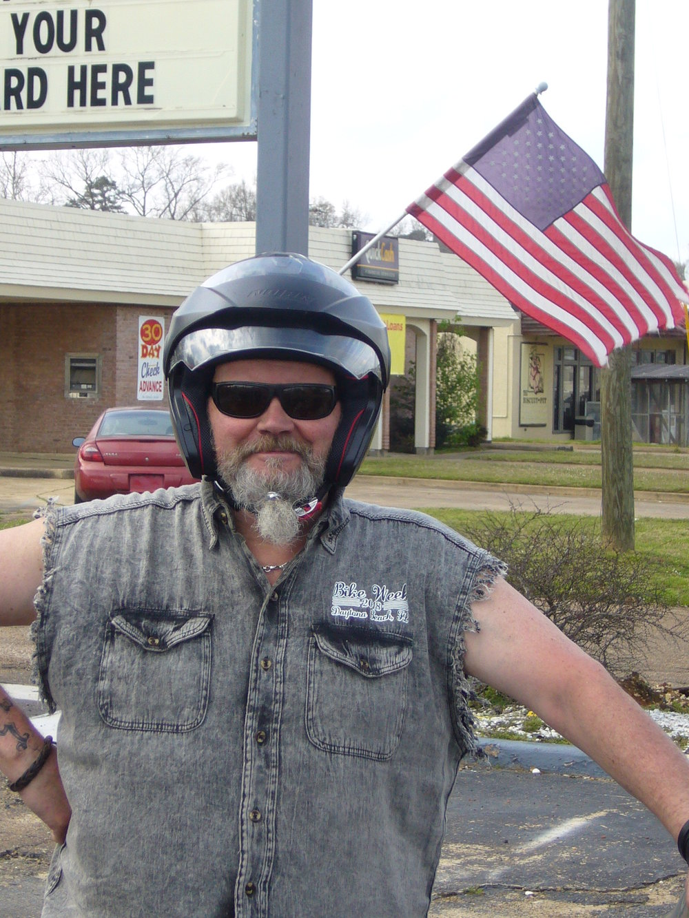 Biker-Jarmo sai taas partaponnarin kiinni - nyt ei parta hakkaa ajaessa kasvoille ;)