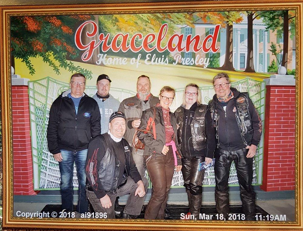 """Graceland """"pönötyskuva""""."""