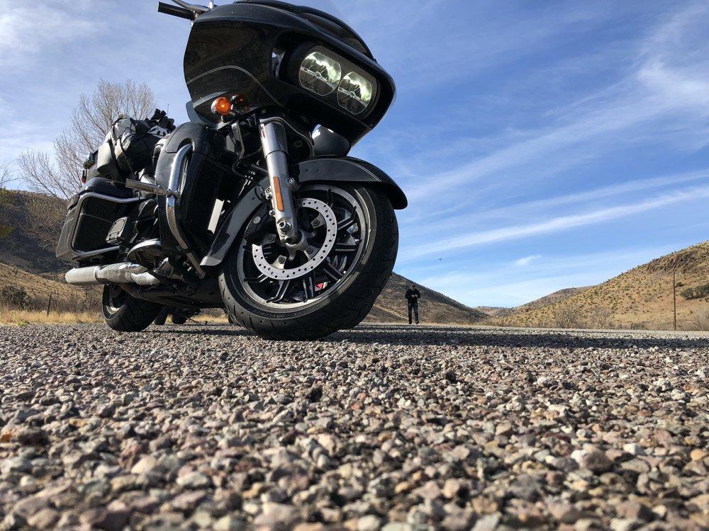 Harley Davidson ja pala Texasin taivasta.