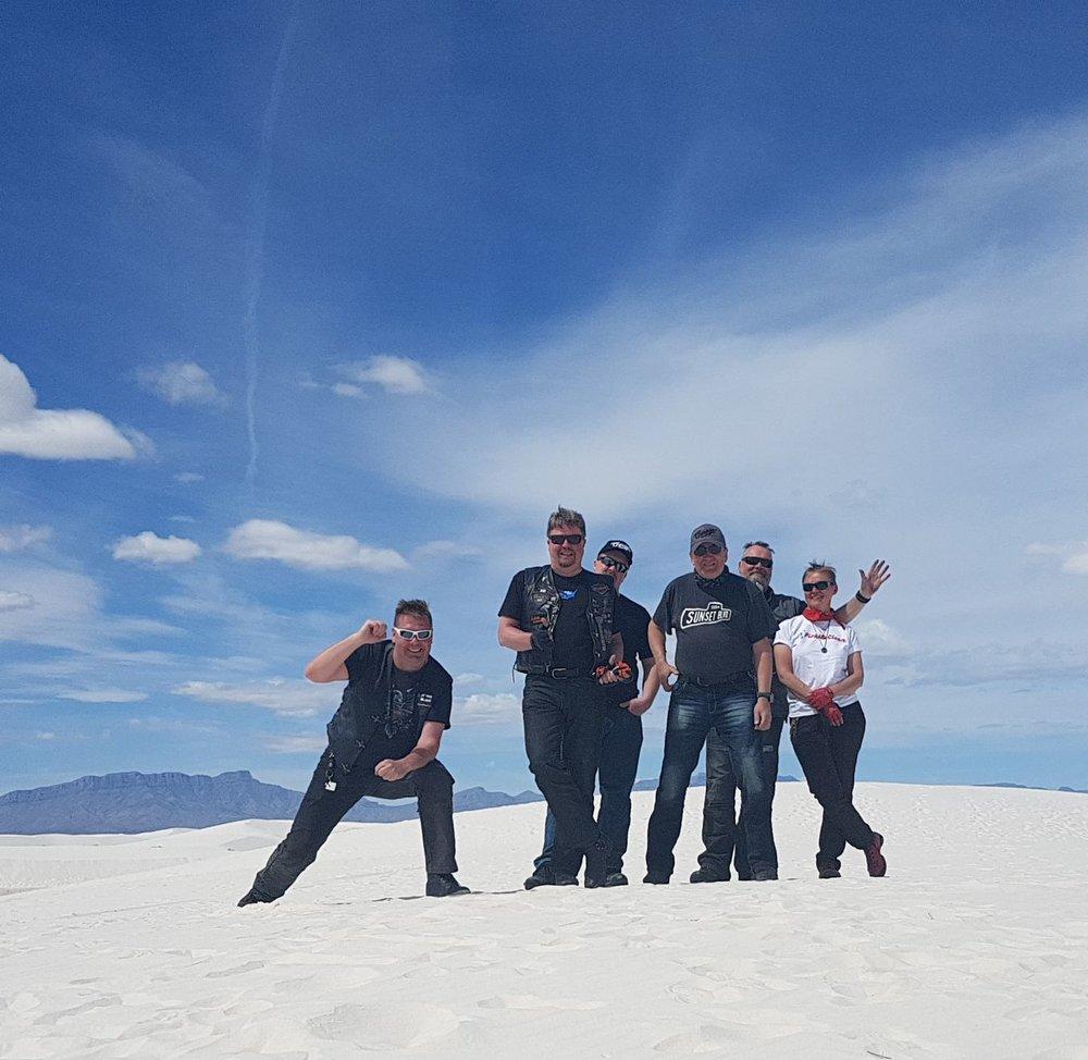 White Sand ja hilpeät motoristit ;)