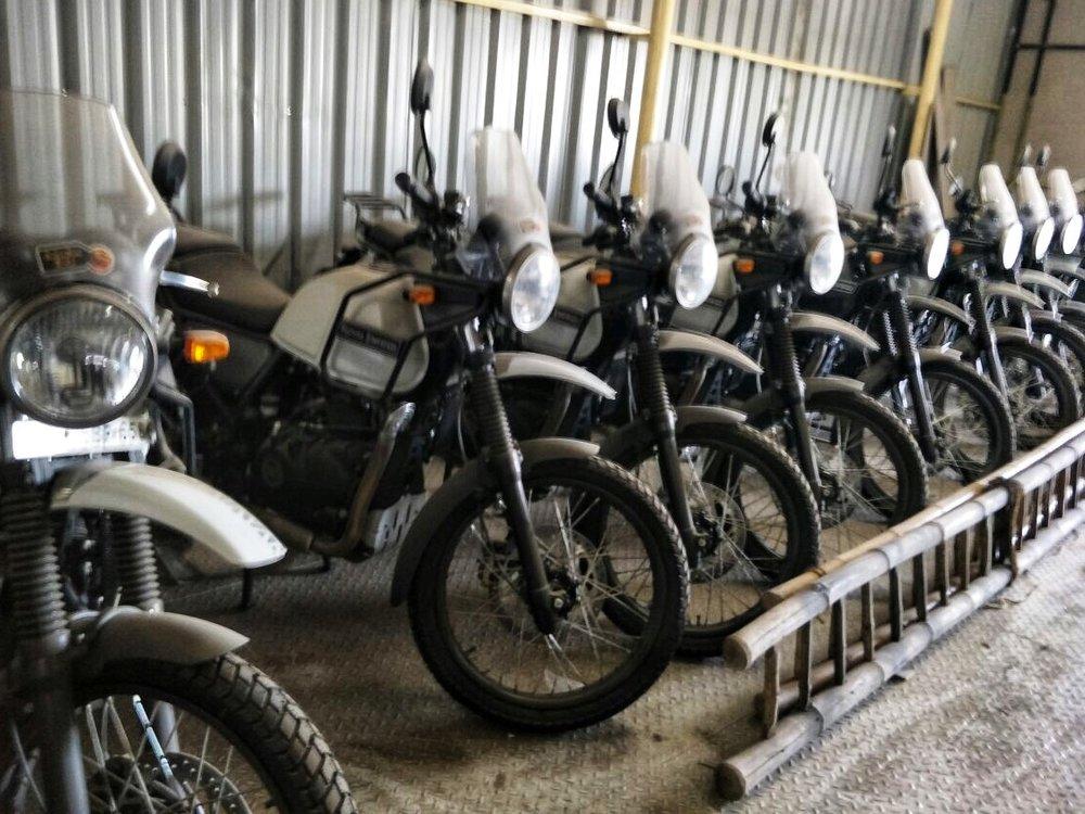 Pyörät odottavat Chennaissa matkan alkua.
