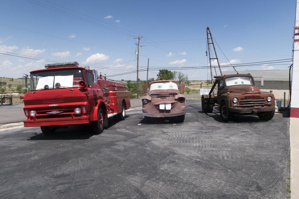 """Kansasin puolella, Galenan kylässä, on hauska """"Cars on the Route"""""""