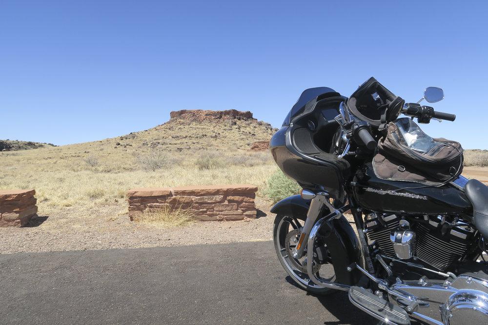 Citadel Trailin. Josta löytyy Hopi intiaanien vanha asuinpaikka. Hopin olivat viljeliä kansaa joten asumukset sen mukaisia. Tänäpäivänä alueella ei asuta.