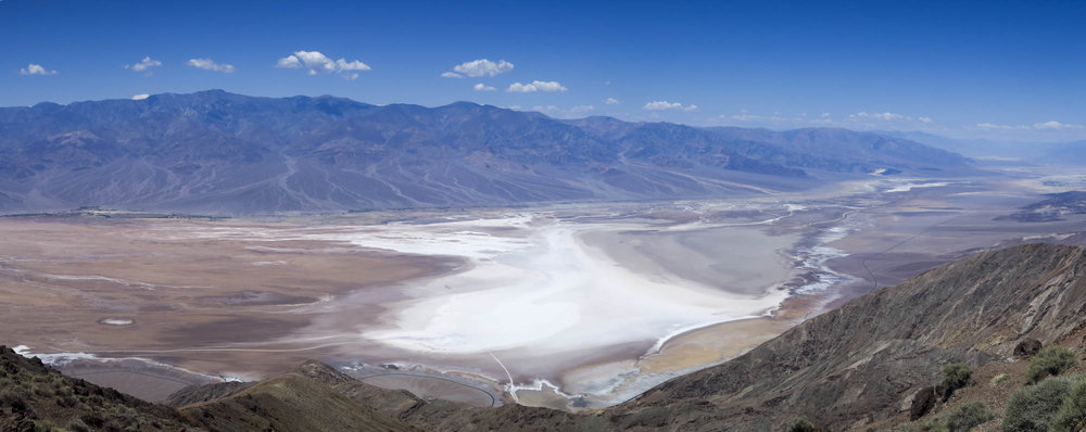 Dantes View +1669 metriä.Alla Bad Water -85,5 metriä