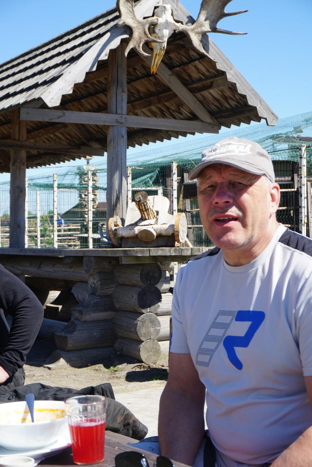 Matkanjohtaja Jyrki kiittää kaikkia matkalaisia hyvästä yhteistyöstä ja yhteen hiileen puhaltamisesta. Kiitos!