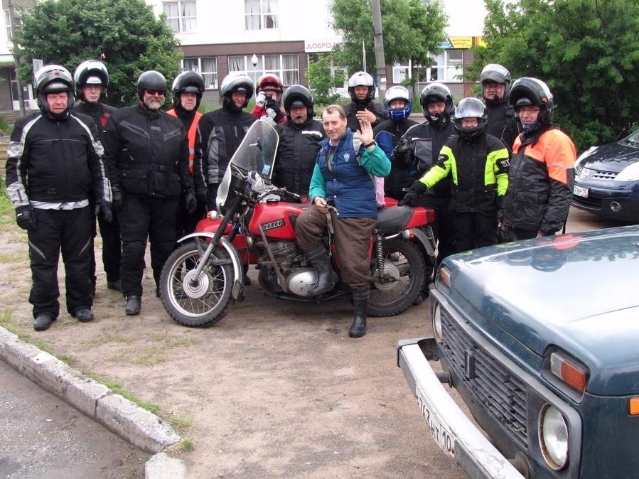 Venäläisiä motoristeja tapaa kyllä silloin tällöin :)