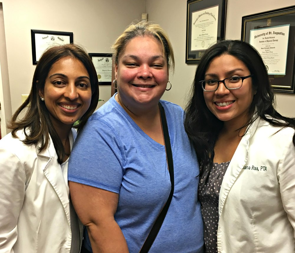 elizabeth+nj+physical+therapy+specialist+asha+koshy+and+pta+diana+raa+with+patient+yisenia+bonilla Doing Everyday Tasks With Physical Therapy