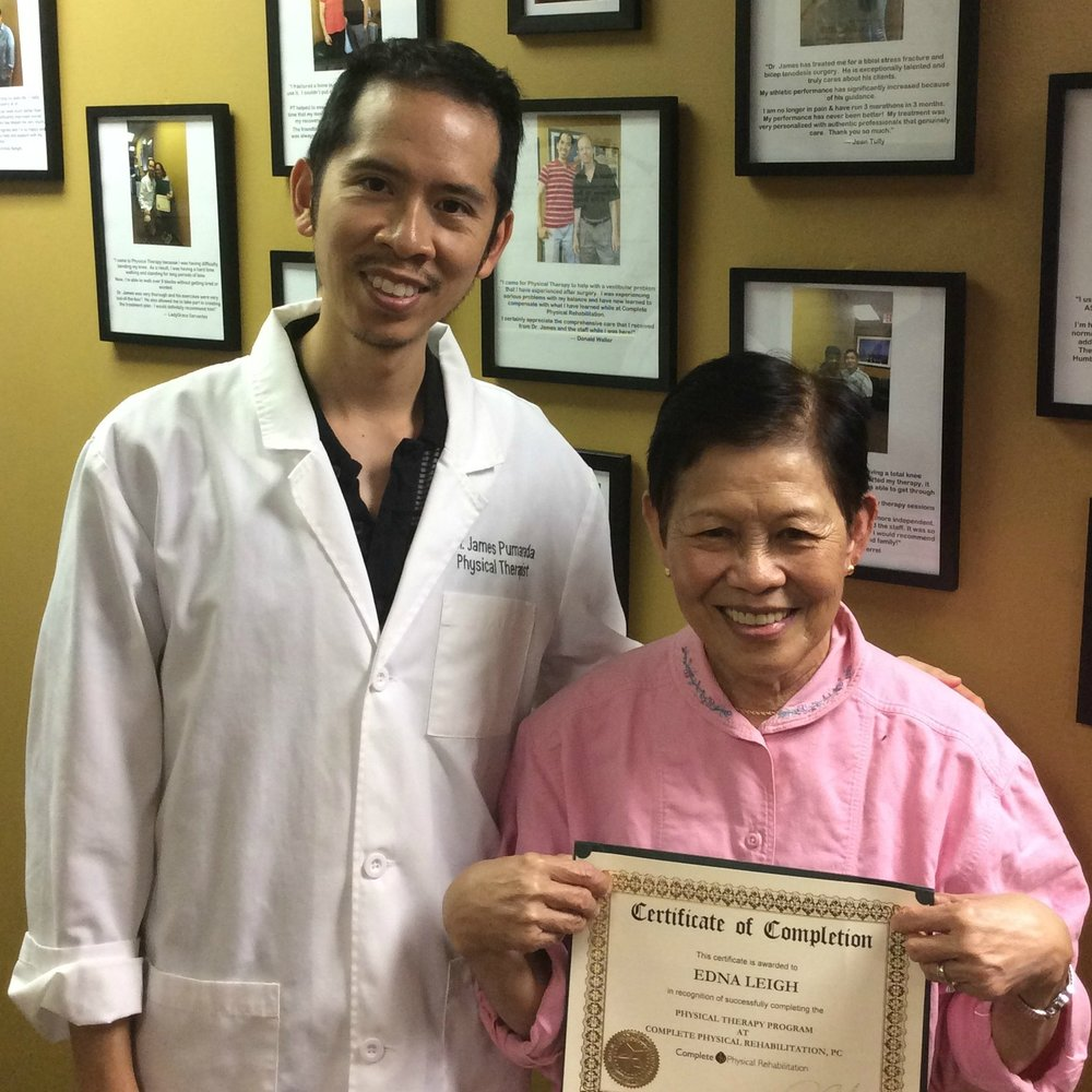 Satisfied Patient Edna and Her Jersey City Physical Therapist, Dr. James Pumarada