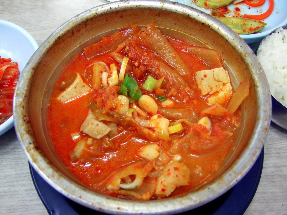 Korean_stew-Kimchi_jjigae-05[1].jpg