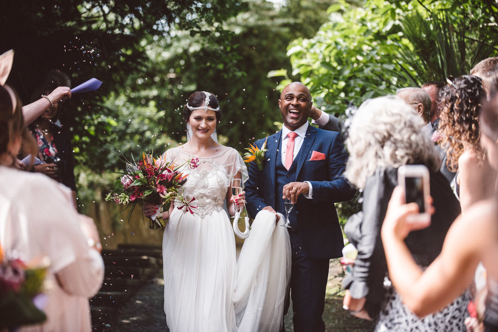 Birmingham wedding couple confetti