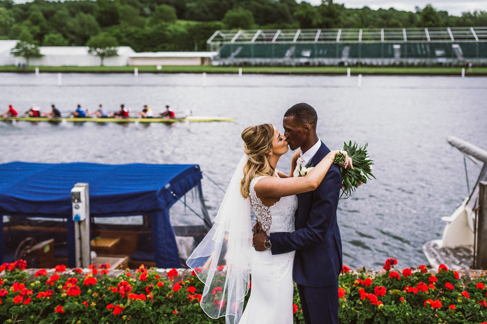 Newlyweds on the river thames, Henley on Thames