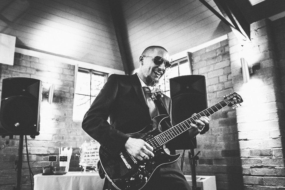gorcott-hall-wedding-reception-musician_.jpg