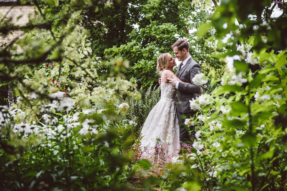 secret garden cotswold wedding couple