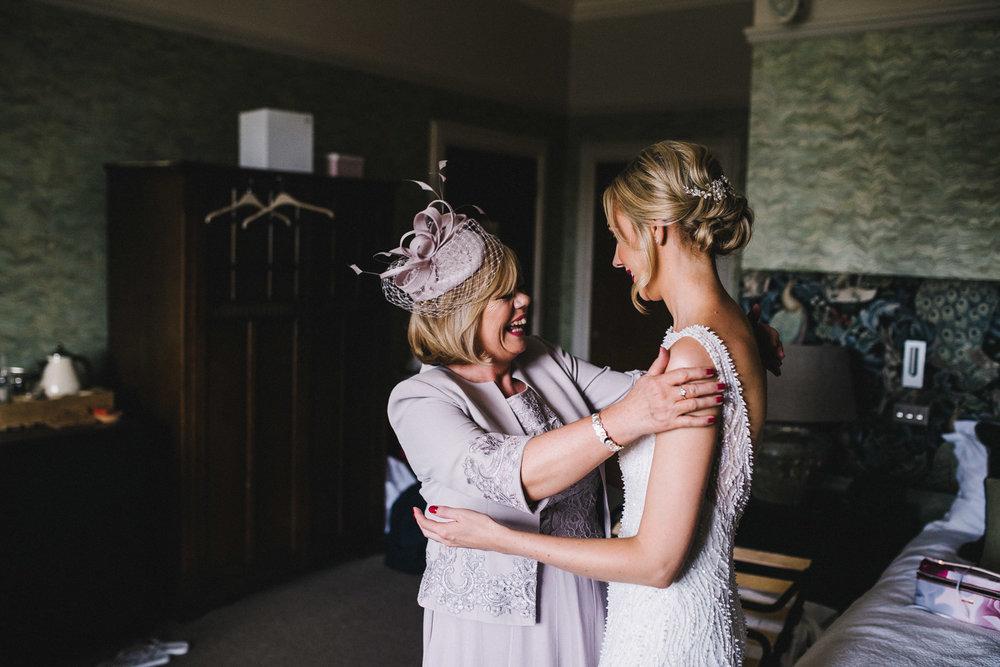 proud-mum-bridal-prep.jpg