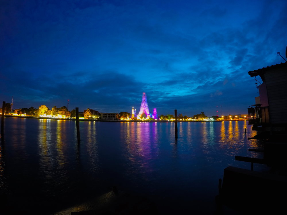 Wat arun - temple of dawn.JPG