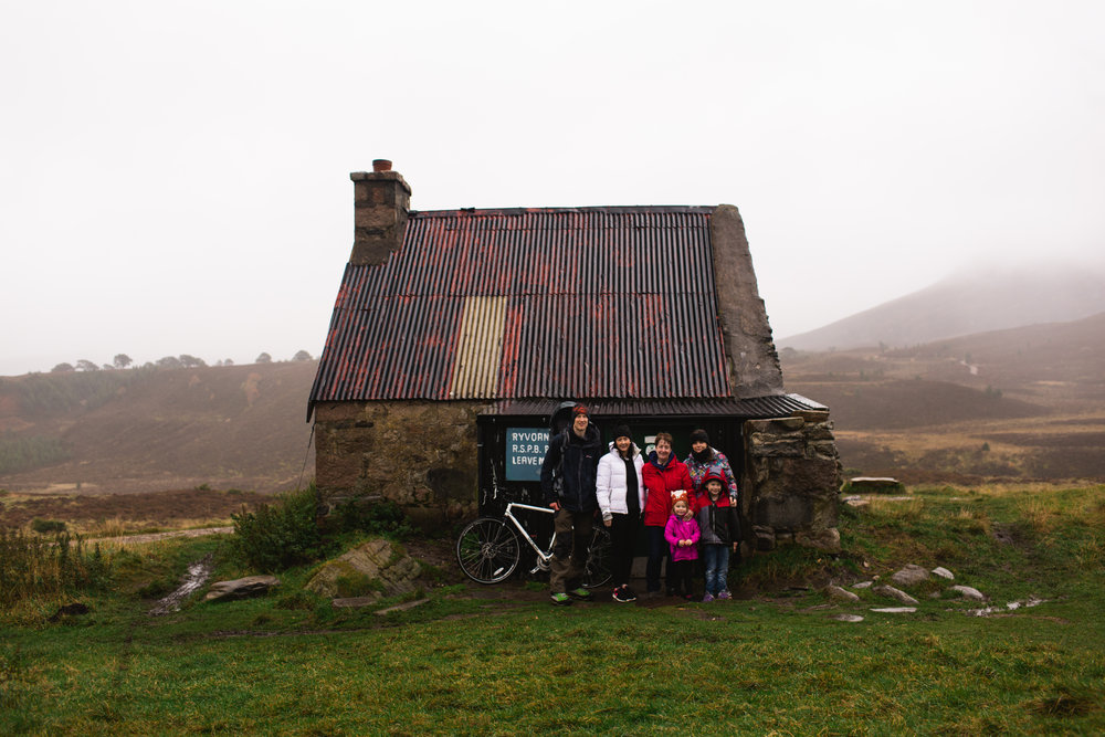 A walk out to Ryvoan bothy in somewhat unfavourable weather. We headed inside to a warm fire and mini picnic.