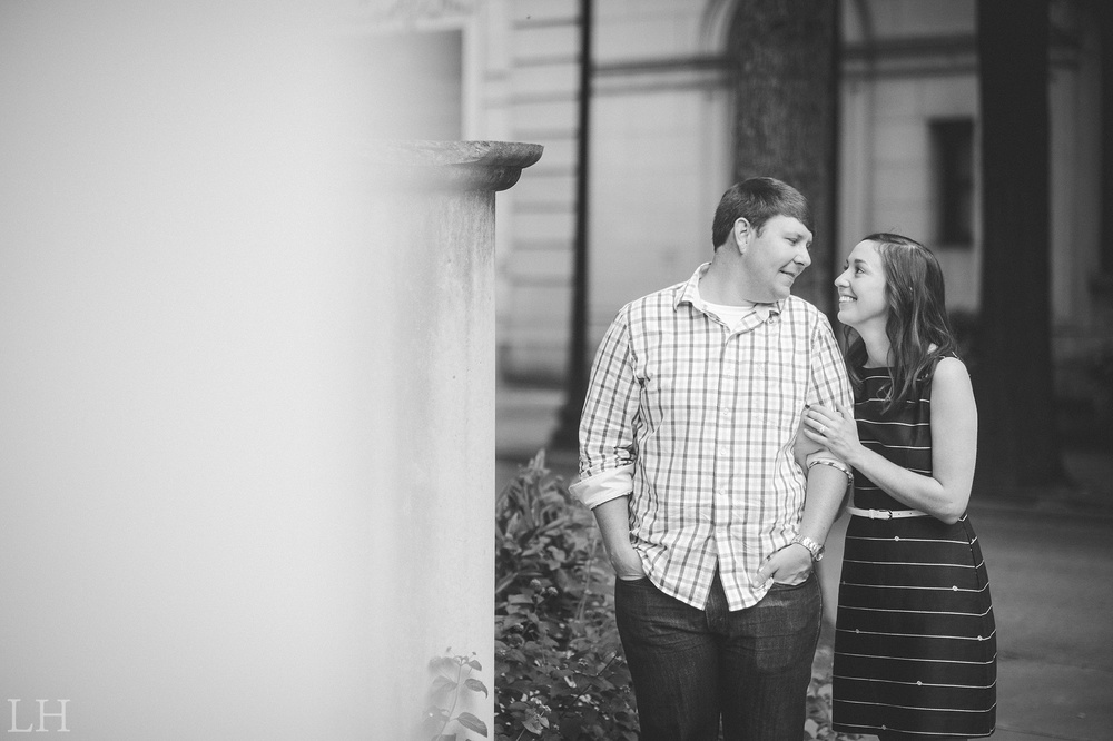 DowntownKnoxvilleEngagementSession103.jpg