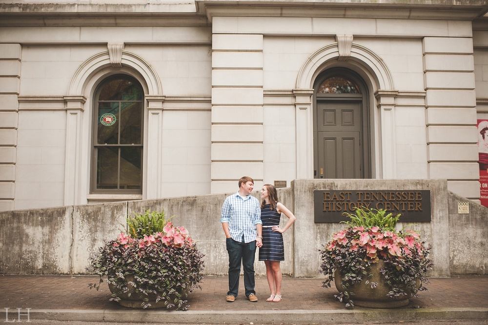 DowntownKnoxvilleEngagementSession111.jpg