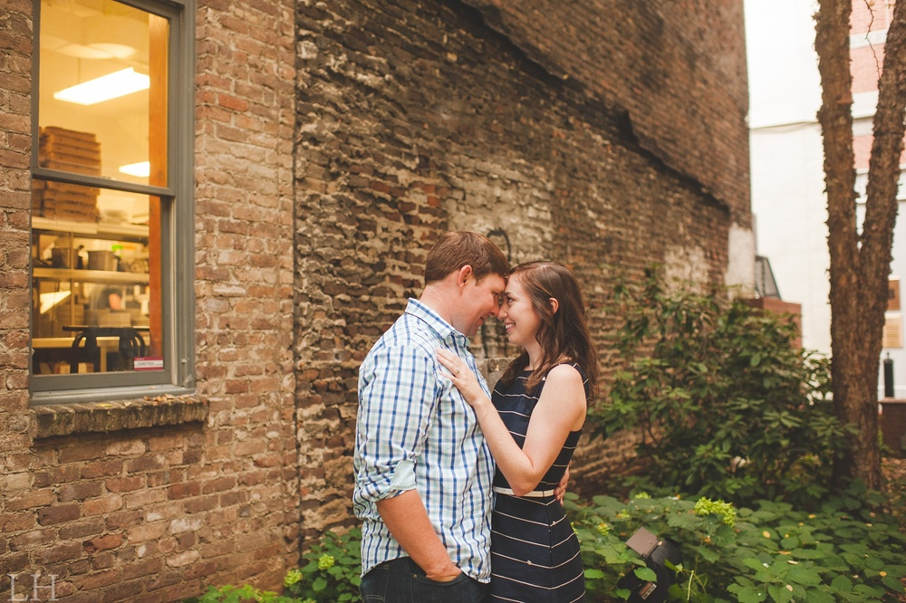 DowntownKnoxvilleEngagementSession120.jpg